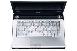 Toshiba Satellite P200-17C 17inc Laptop