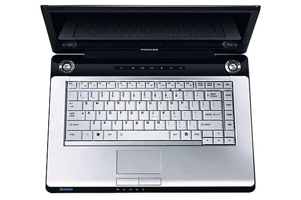 Toshiba Satellite P200-17C 17inc Laptop